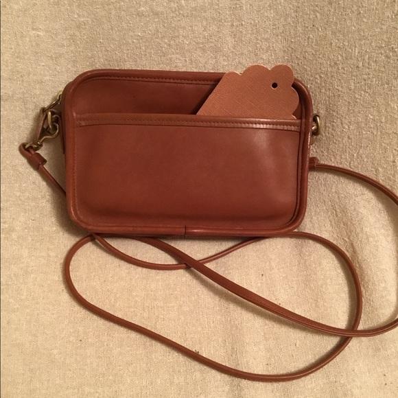 0837643b99a80b Coach Handbags - Vintage Coach Carnival Bag #9925 British tan